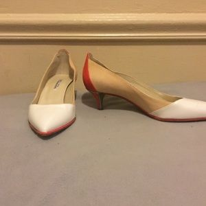 Oscar De La Renta Made in Italy kitten heels.